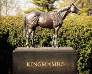 KingmamboStatue