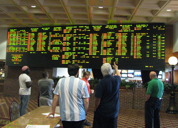 Delaware park sports betting hours each way betting rules of blackjack