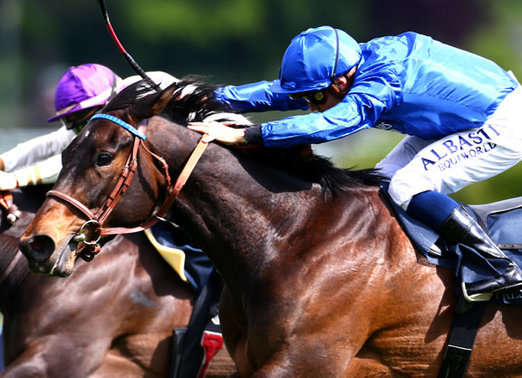 Shamardal's Castle Lady Takes the Pouliches