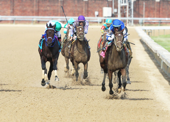 Rising Star Dennis' Moment Romps in the Iroquois