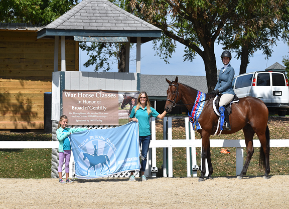 Over 450 Thoroughbreds Compete at Joint New Vocations Show