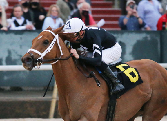 Different Silks, Same Result: Dual Champion Monomoy Girl Takes Bayakoa in 6-Year-Old Debut